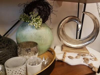 Deko-Vase-Windlicht-Krone-Muschel-Fell-Skulptur-Symbol