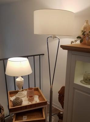Stehlampe-Nickel-Chrom-Lampenschirm-weiss-Tischlampe